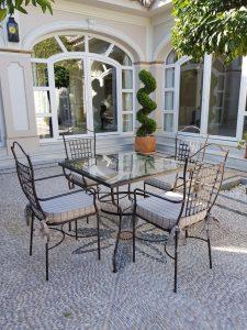 sillas y mesas de forja